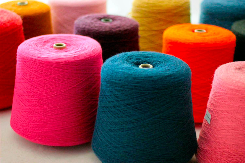 Какая нужна пряжа для машинного вязания